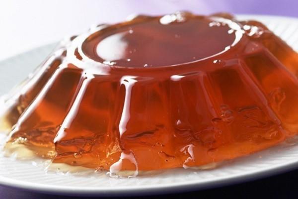 желатин на тарелке фото